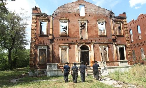 Four alarm fire destroys historic home in St. Louis